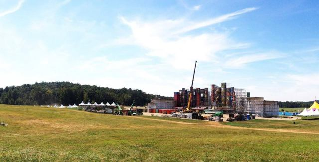 TomorrowWorld 2013 Stage in process